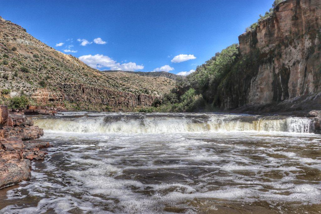 Apache Falls Hike guide best waterfalls in Arizona