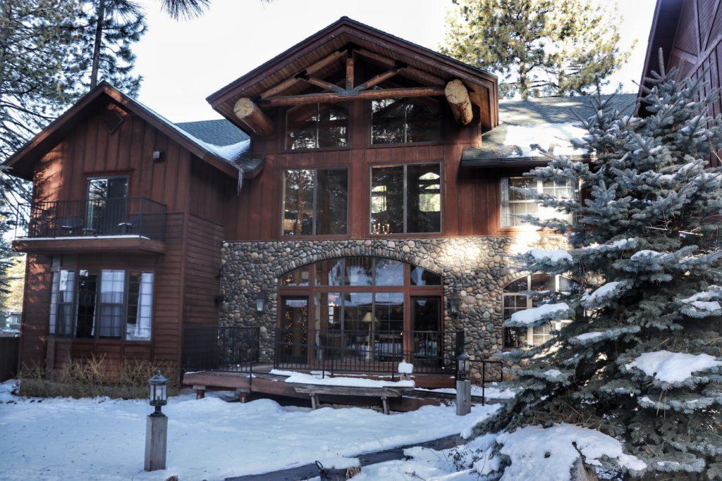 Best bars in lake tahoe Black Bear Lodge