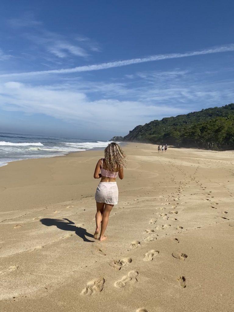 how to get to playa malpaso